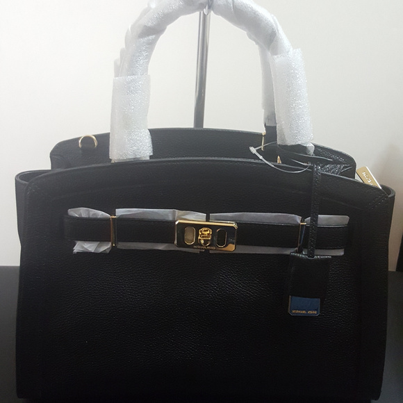 83ae266d0e0df3 Michael Kors Bags | Large Karson Black Leather Satchel | Poshmark